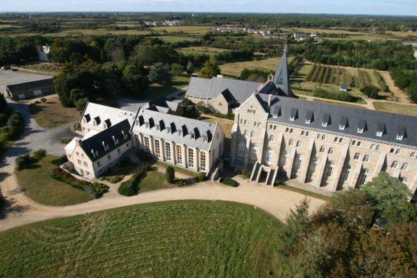 L'Abbaye Sainte-Anne-de-Kergonan à Plouharnel (56)