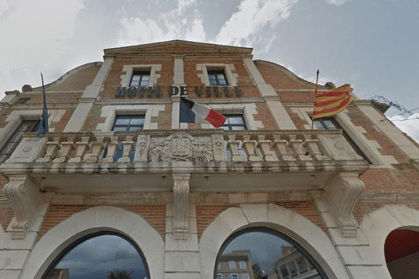 Durant plus de 100 ans, la mairie de Cazères (Haute-Garonne) était gérée par la gauche et le parti socialiste.