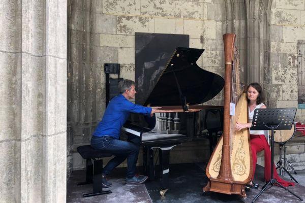 Concert d'Edouard Ferlet et Adeline de Preissac, pour l'édition 2021 du festival 37° à l'ombre.