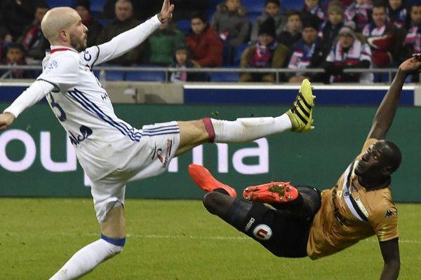 Angers SCO a de nouveau chuté en championnat, ici face à Lyon le 21 décembre 2016
