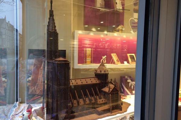 Plus de 200 heures de travail ont été nécessaires pour fabriquer la sculpture en chocolat.