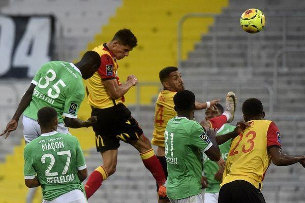 Ligue 1 : l'AS Saint-Etienne s'incline à Lens (2-0)