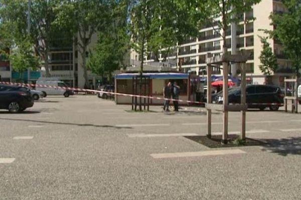 Villeurbanne : des coups de feu place Wilson. Un homme grièvement blessé (06/06/13)
