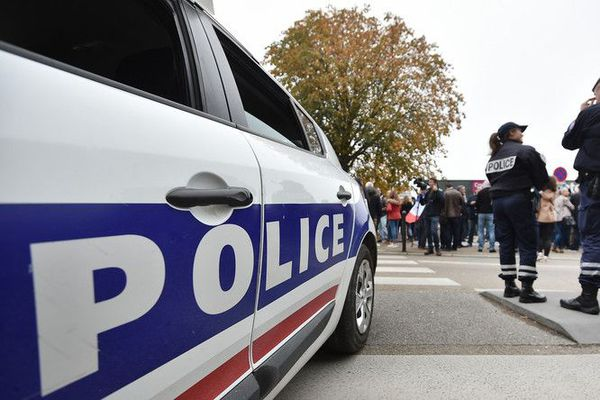 Une voiture de police. © JEAN-SEBASTIEN EVRARD / AFP Source
