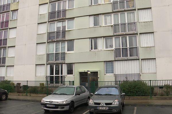 Le Havre : l'immeuble de l'avenue Komarov où habitait la femme de 33 ans décédée le 4 mars 2020 au CHU de Rouen suite aux coups assénés par son compagnon