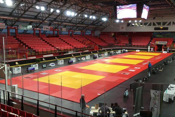 La patinoire du Coliséum d'Amiens transformée en dojo le temps du championnat de France de judo 1ère division les 2 et 3 novembre 2019