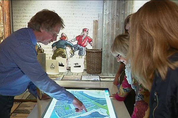 L'exposition présente une maquette 3D de la ville en 1571.
