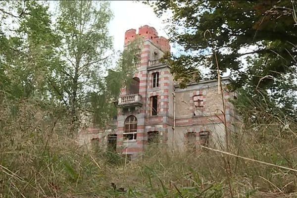 Le château de Chaumont à l'abandon depuis son incendie