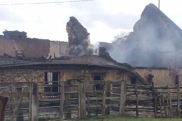 Un homme de 87 ans est recherché après l'incendie de sa longère à Longny-au-Perche (61)