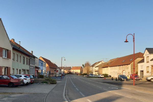 Keskastel et l'un des villages d'Alsace bossue, cette région située entre le col de Saverne et Sarreguemines en Lorraine. Depuis le début du confinement, tout le monde est chez soi.