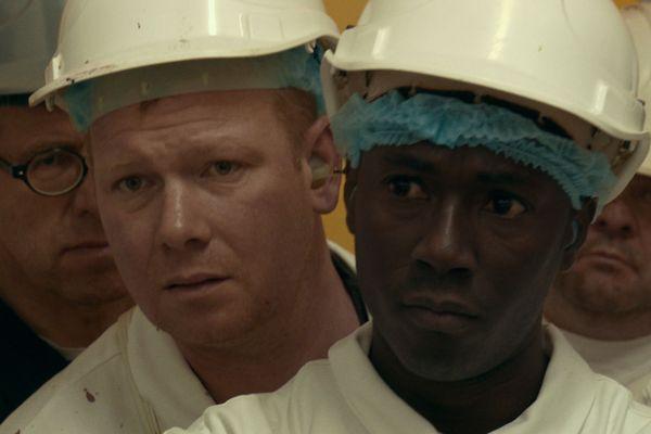"""Quelques uns des salariés de l'abattoir de Vitré, protagonistes du documentaire """"Saigneurs"""""""