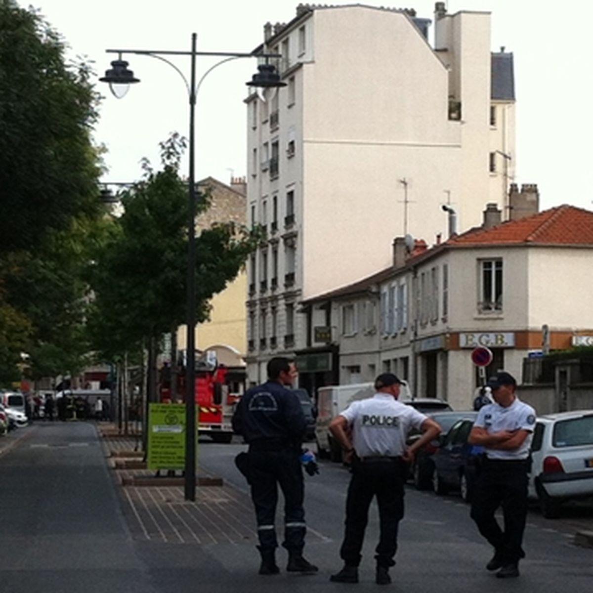 Info France3 Paris Un Forcene Retranche Dans Un Appartement A Maisons Alfort 94 Le Raid Est Sur Place