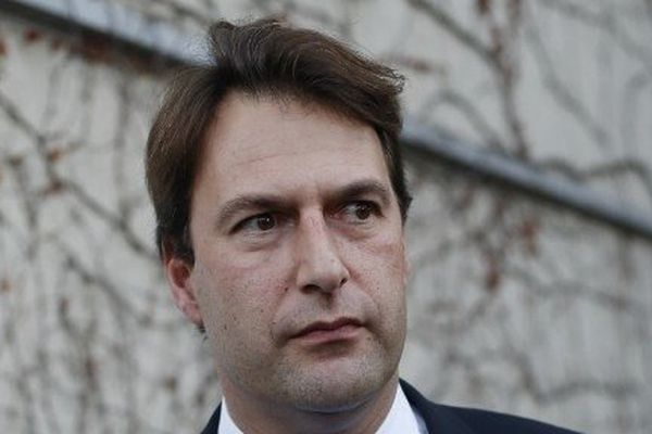 Sylvain Berrios élu maire (UMP) de Saint-Maur-des-Fossés (Val-de-Marne).