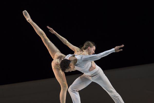 Le ballet La Belle de Jean-Christophe Maillot.