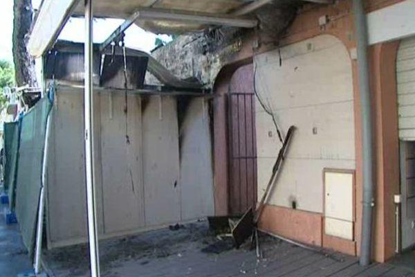 L'un des commerces sinistré par les incendies criminels à Argelès-sur-Mer dans les Pyrénées-Orientales - 30 mai 2015