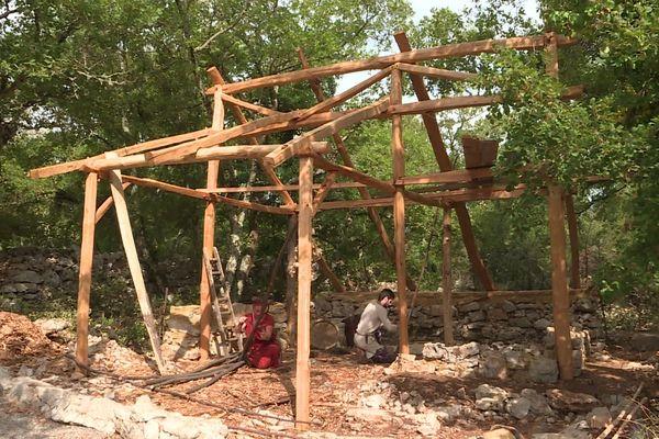 Le chantier collectif de Randa Ardesca de l'été : la construction de la forge