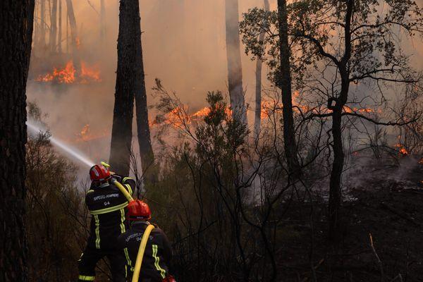 Plus de 7000 hectares ont été détruits par les flammes, ce jeudi 26 août le feu est officiellement déclaré éteint.