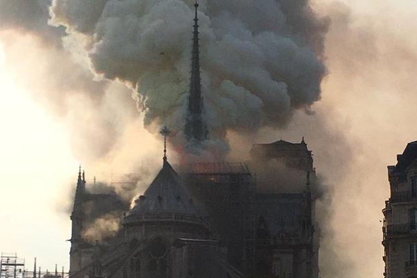 L'incendie a ravagé la cathédrale Notre-Dame de Paris lundi soir.