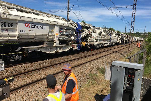 Le train de travaux Enorail avait pris feu sur les voies au sud de Limoges, à hauteur de Saint-Hilaire-Bonneval.