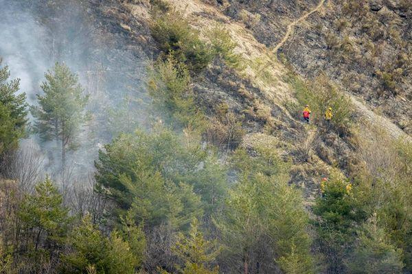 Une 50aine de pompiers est toujours engagé sur l'intervention ce vendredi matin.