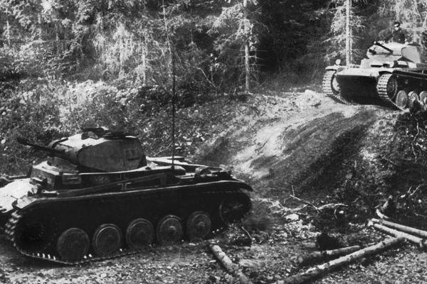 Des chars allemands dans les Ardennes belges le 12 mai 1940.