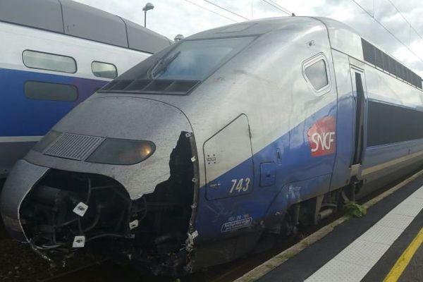 Le TGV endommagé après avoir percuté une voiture à Landivisiau