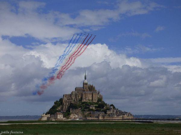 La patrouille de France au dessus du Mont-Saint-Michel, le samedi 2 juillet 2016