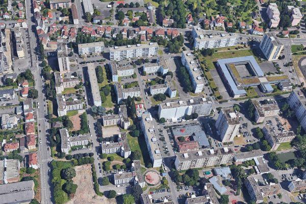 L'incendie a eu lieu dans l'une des barres d'immeubles de la rue Frédéric Mistral, quartier des Écrivains à Schiltigheim.