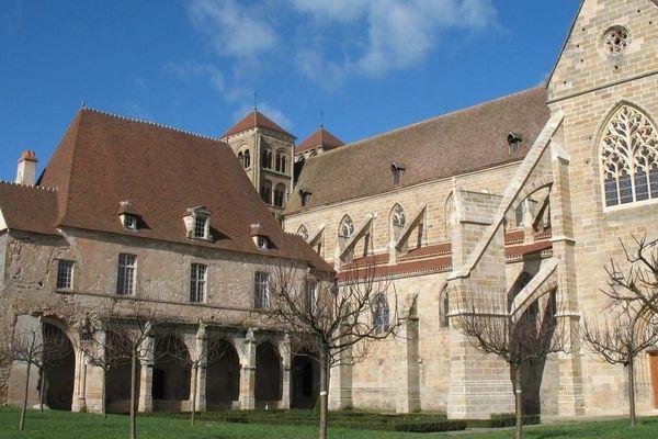 Souvigny au coeur du Bourbonnais, candidat au titre de Village Préféré des Français