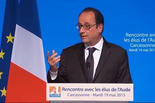 François Hollande à la tribune à Carcassonne