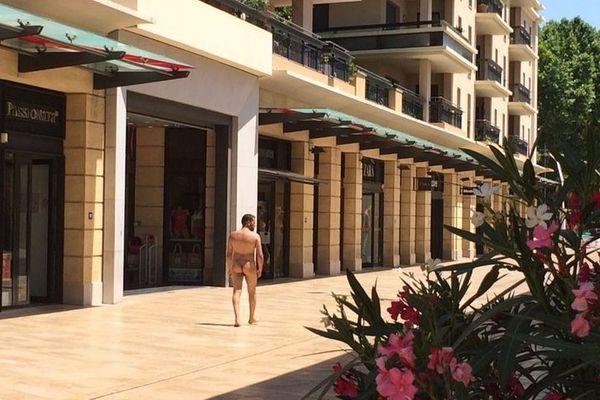 Il se promenait nu dans les rues d'Aix-en-Provence avant d'être interpellé par la police