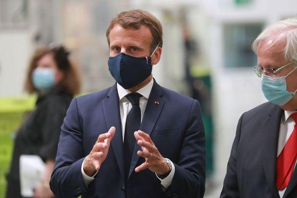 Emmanuel Macron ce 26 mai lors de sa visite à l'usine Valéo d'Etables