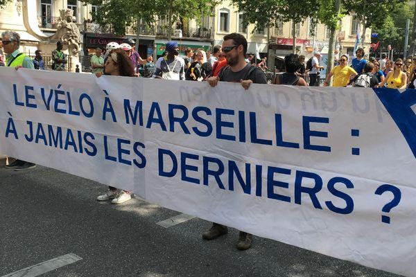 Les cyclistes manifestent à Marseille pour obtenir plus de pistes cyclables