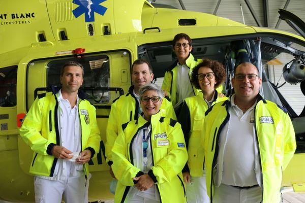 L'équipe dédiée de ce nouvel hélicoptère.