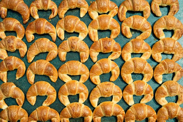 La biscuiterie Carrée à Yffiniac (Côtes-d'Armor) emploie une centaine de salariés. Elle produit des viennoiseries pour la grande distribution.