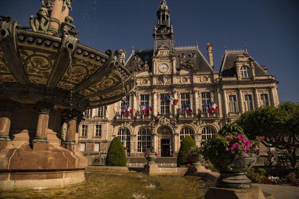 Si jamais Emile-Roger Lombertie (LR) est élu sénateur, qui pour lui succéder à la mairie de Limoges ?