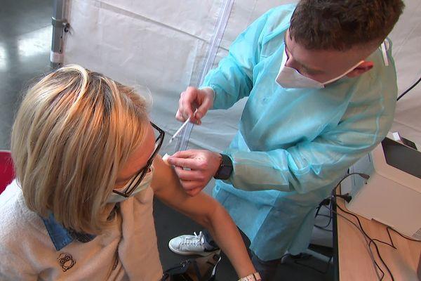 C'est le second week-end de vaccination massive dans le Pas-de-Calais.