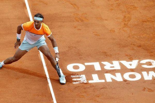 Nadal, à la peine en début de saison, se reconstruit doucement un moral sur une terre conquise à huit reprises (2005-2012).