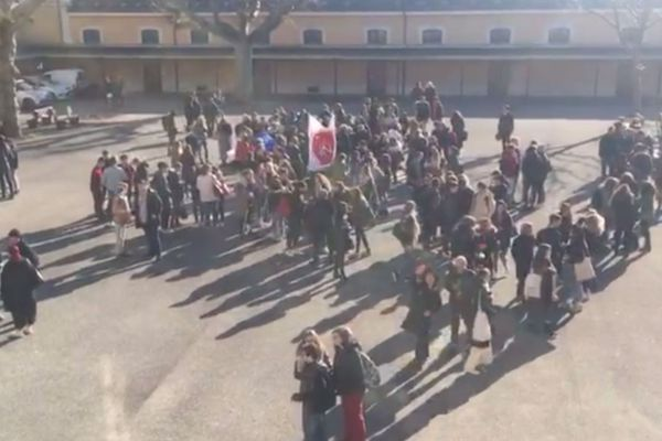Manifestation au lycée Berthollet à Annecy