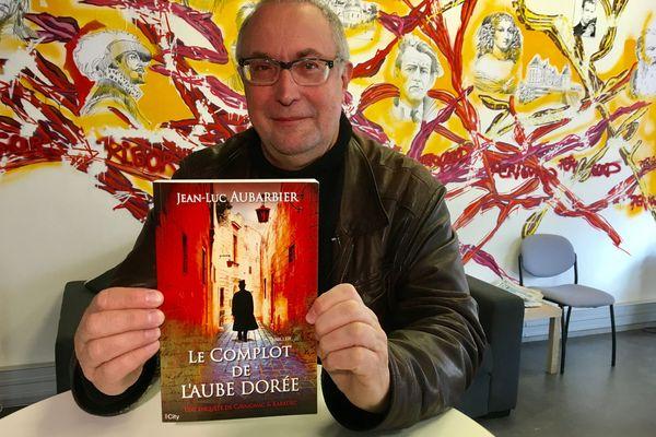 """""""Le complot de l'Aube dorée"""" est le quatrième opus des aventures de Cavaignac et Karadec"""
