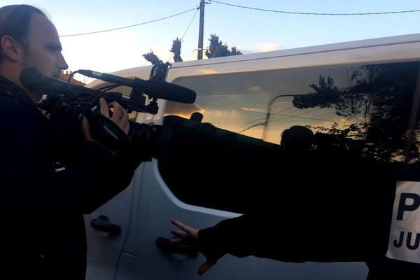 L'arrivée d'Hubert Caouissin à Orvaiult devant le domicile familial de la famille Troadec, 29 avril 2019