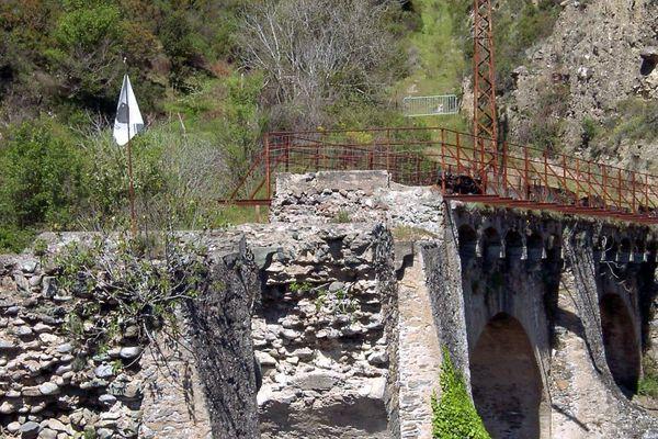 Ponte-Novo (Haute-Corse) - Un drapeau corse marque le lieu de la bataille historique entre l'armée française et les troupes paolistes, le 8 mai 1769.