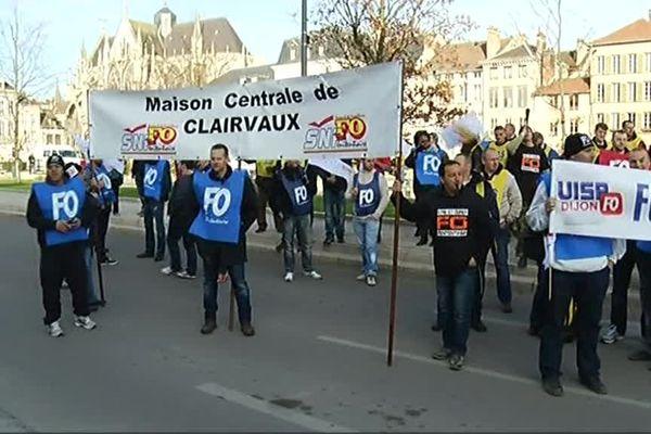 Ils étaient 120 à manifester ce matin à Troyes.