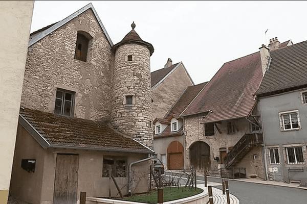 Ville de Marnay.