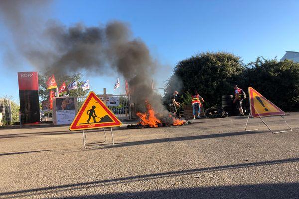 Manifestation des salariés de Hop devant le siège social de Bouguenais, près de Nantes, le 30 juillet 2020