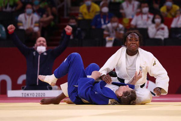 Clarisse Agbegnenou, médaillée d'or des - de 63 kg à Tokyo, promue au grade de chevalier de la Légion d'honneur