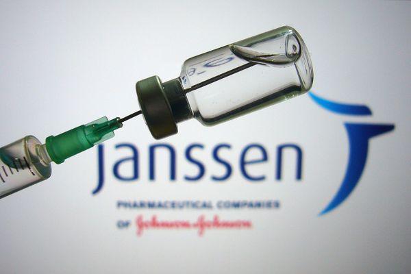 200 000 doses de vaccin Janssen, appelé aussi Johnson and Johnson, sont arrivées en France cette semaine.