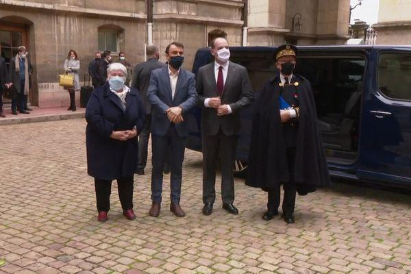 Jean Castex, premier ministre, aux côtés de  la ministre de la cohésion des territoires Jacqueline Gourault et du préfet de région Pascal Mailhos, à la rencontre du maire de Lyon Grégory Doucet à l'Hôtel de ville