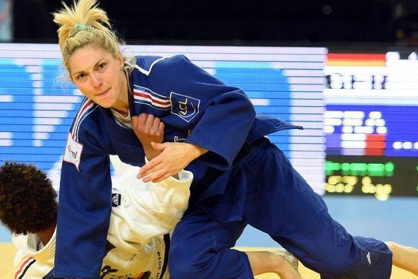 Automne Pavia remporte un nouveau titre de championne d'Europe à Montpellier en 21 secondes.