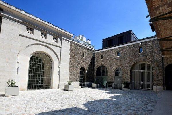 L'entrée de la prison de la Santé (Paris XIVe).